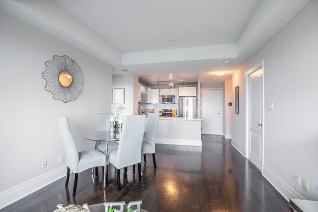Condo Apartment at 188 Doris Ave, Unit 2105, Toronto, Ontario. Image 2