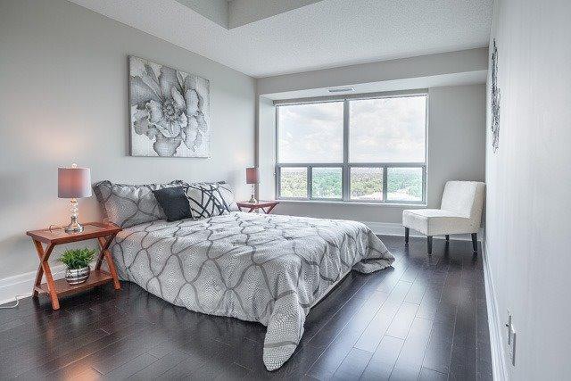 Condo Apartment at 188 Doris Ave, Unit 2105, Toronto, Ontario. Image 6