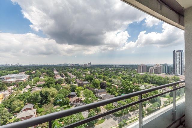 Condo Apartment at 188 Doris Ave, Unit 2105, Toronto, Ontario. Image 11