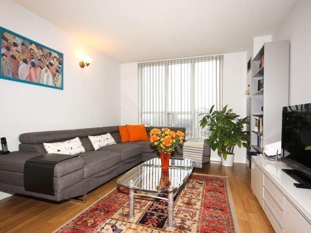 Condo Apartment at 21 Overlea Blvd, Unit 1409, Toronto, Ontario. Image 10