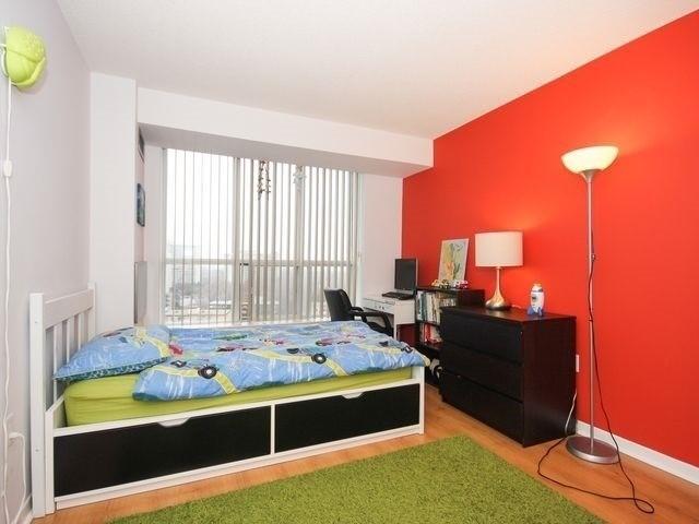 Condo Apartment at 21 Overlea Blvd, Unit 1409, Toronto, Ontario. Image 12