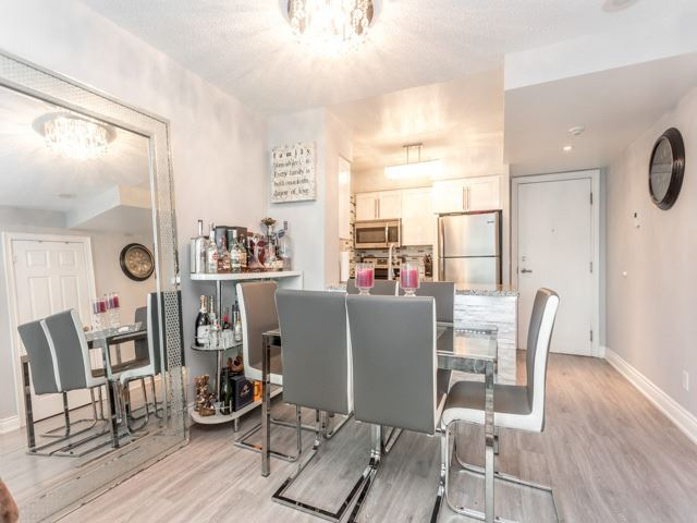 Condo Apartment at 15 Greenview Ave, Unit 2101, Toronto, Ontario. Image 8