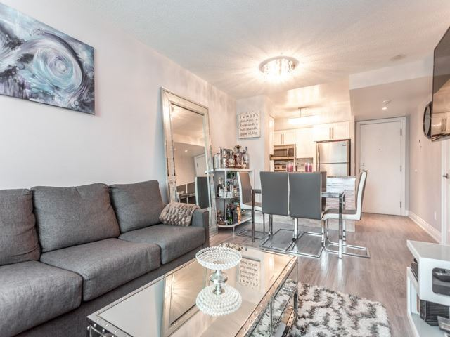 Condo Apartment at 15 Greenview Ave, Unit 2101, Toronto, Ontario. Image 10