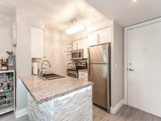 Condo Apartment at 15 Greenview Ave, Unit 2101, Toronto, Ontario. Image 12