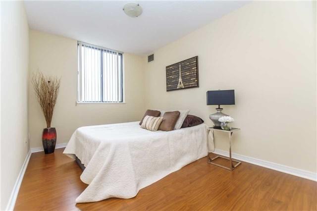 Condo Apartment at 1900 Sheppard Ave E, Unit 806, Toronto, Ontario. Image 3