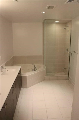 Condo Apartment at 68 Merton St, Unit Ph1, Toronto, Ontario. Image 15