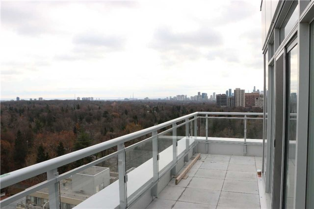 Condo Apartment at 68 Merton St, Unit Ph1, Toronto, Ontario. Image 4