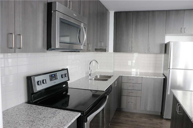 Condo Apartment at 68 Merton St, Unit Ph1, Toronto, Ontario. Image 7