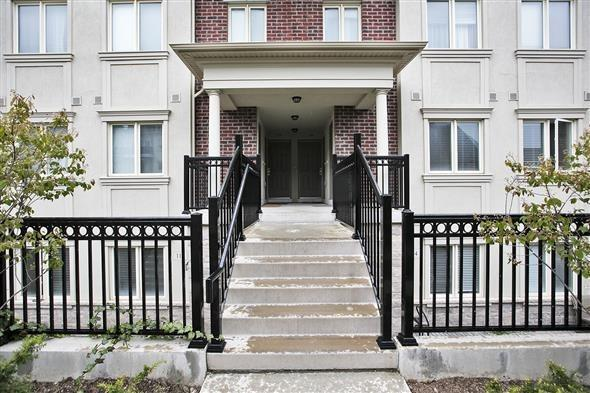 Condo Townhouse at 15 Coneflower Cres, Unit #241, Toronto, Ontario. Image 12