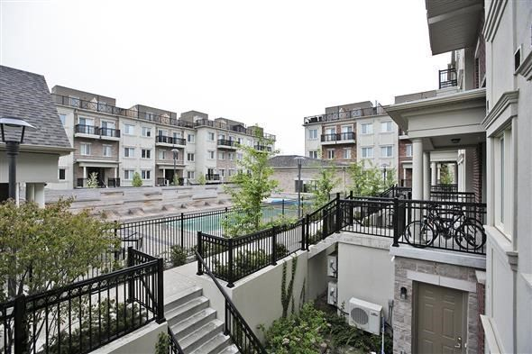 Condo Townhouse at 15 Coneflower Cres, Unit #241, Toronto, Ontario. Image 13