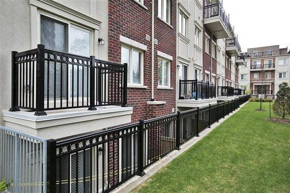 Condo Townhouse at 15 Coneflower Cres, Unit #241, Toronto, Ontario. Image 14