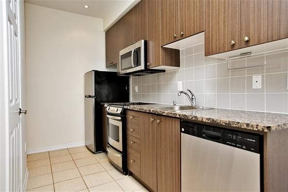 Condo Townhouse at 15 Coneflower Cres, Unit #241, Toronto, Ontario. Image 15