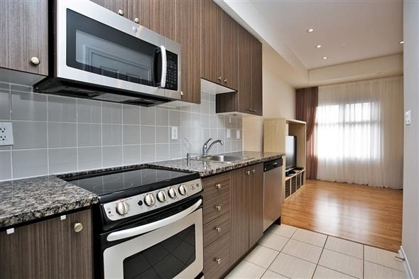 Condo Townhouse at 15 Coneflower Cres, Unit #241, Toronto, Ontario. Image 16