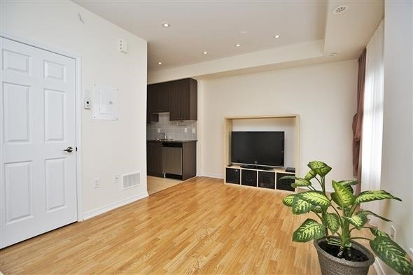 Condo Townhouse at 15 Coneflower Cres, Unit #241, Toronto, Ontario. Image 18