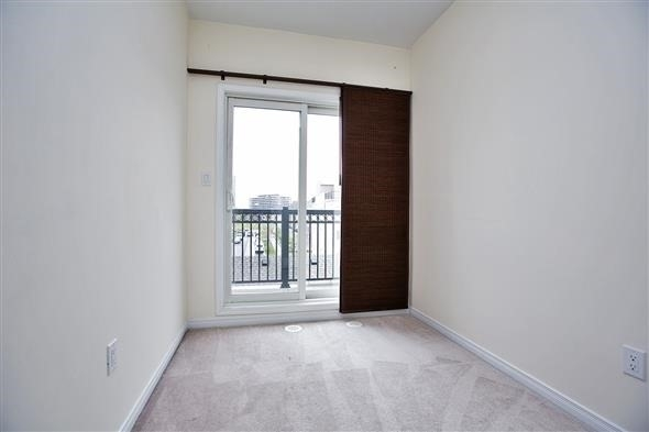 Condo Townhouse at 15 Coneflower Cres, Unit #241, Toronto, Ontario. Image 3