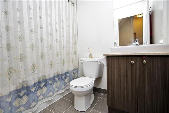 Condo Townhouse at 15 Coneflower Cres, Unit #241, Toronto, Ontario. Image 5