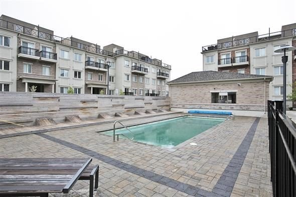 Condo Townhouse at 15 Coneflower Cres, Unit #241, Toronto, Ontario. Image 10