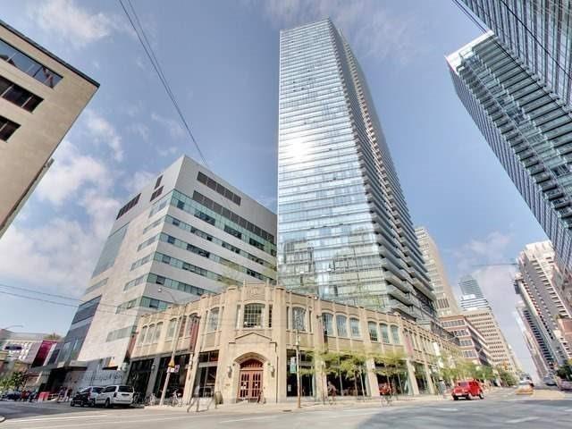 Condo Apartment at 832 Bay St, Unit 2810, Toronto, Ontario. Image 1