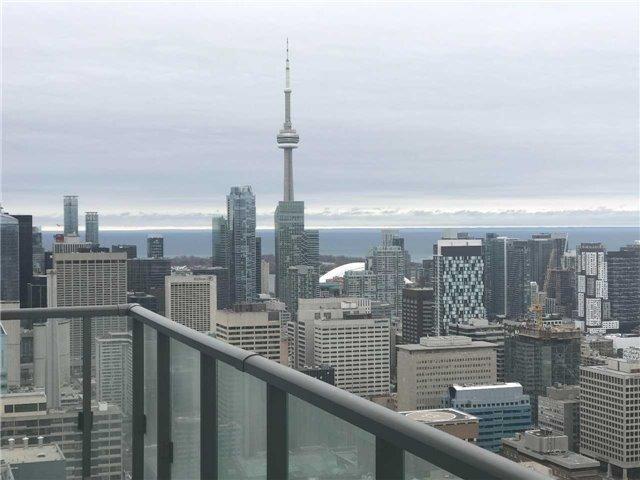 Condo Apartment at 832 Bay St, Unit 2810, Toronto, Ontario. Image 5