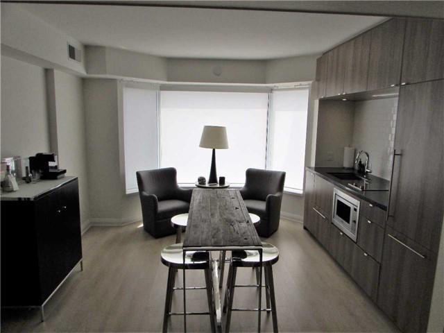 Condo Apartment at 155 Yorkville Ave, Unit 511, Toronto, Ontario. Image 10