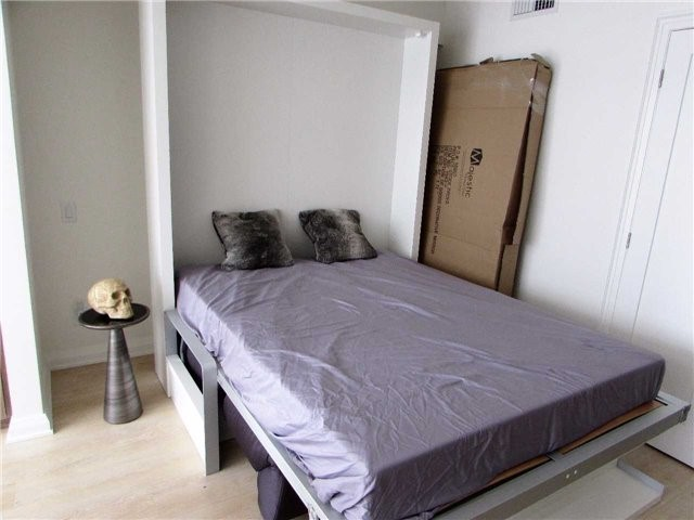 Condo Apartment at 155 Yorkville Ave, Unit 511, Toronto, Ontario. Image 13