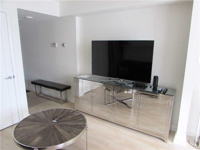 Condo Apartment at 155 Yorkville Ave, Unit 511, Toronto, Ontario. Image 14