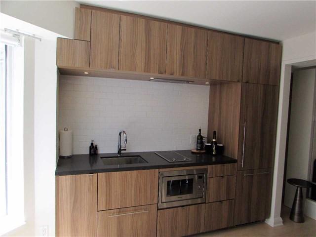 Condo Apartment at 155 Yorkville Ave, Unit 511, Toronto, Ontario. Image 3