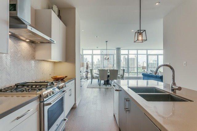 Condo Apartment at 127 Queen St E, Unit Ph1, Toronto, Ontario. Image 3