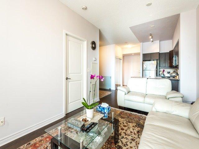 Condo Apartment at 2885 Bayview Ave, Unit 229, Toronto, Ontario. Image 2