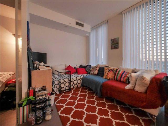 Condo Apartment at 101 Peter St, Unit 1605, Toronto, Ontario. Image 2