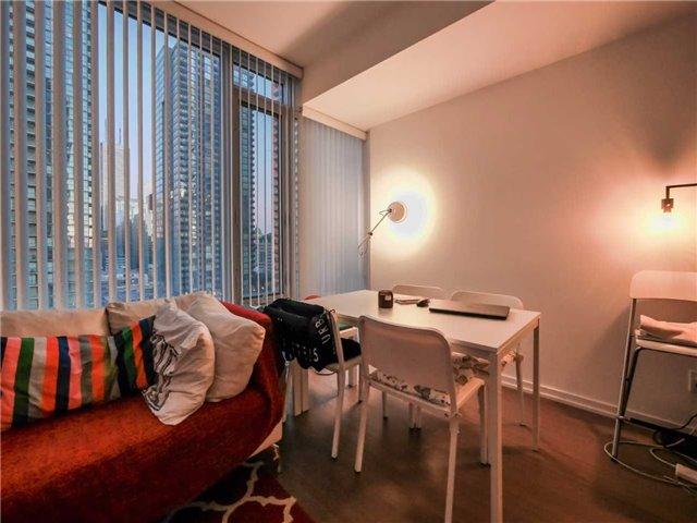 Condo Apartment at 101 Peter St, Unit 1605, Toronto, Ontario. Image 3
