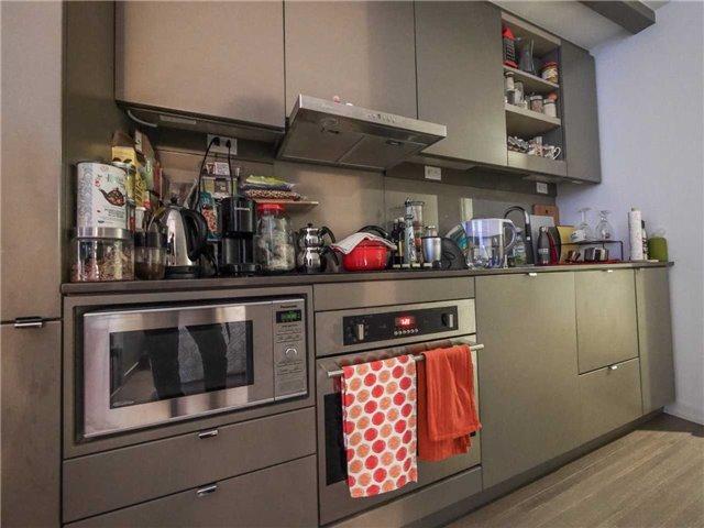Condo Apartment at 101 Peter St, Unit 1605, Toronto, Ontario. Image 5