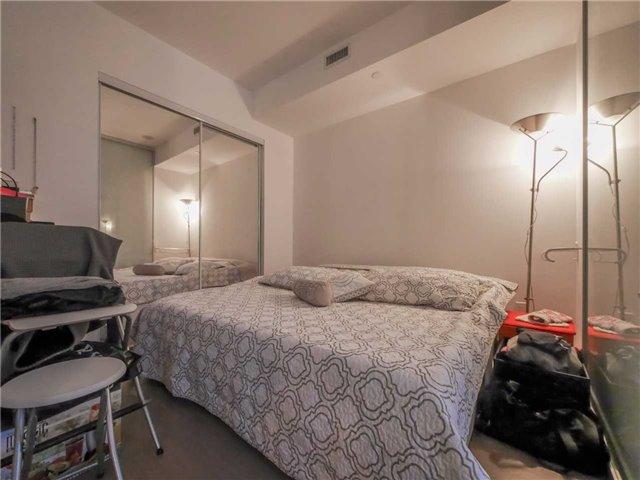 Condo Apartment at 101 Peter St, Unit 1605, Toronto, Ontario. Image 6