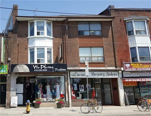 Townhouse at 1468 Dundas St, Toronto, Ontario. Image 1
