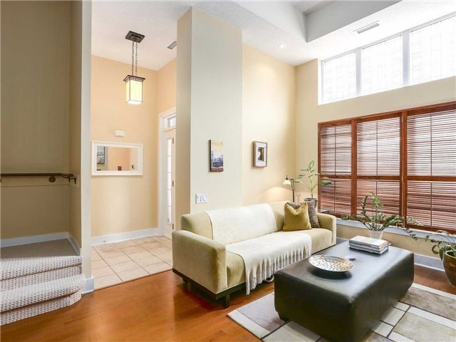 Condo Townhouse at 77 Lombard St, Unit Th102, Toronto, Ontario. Image 13