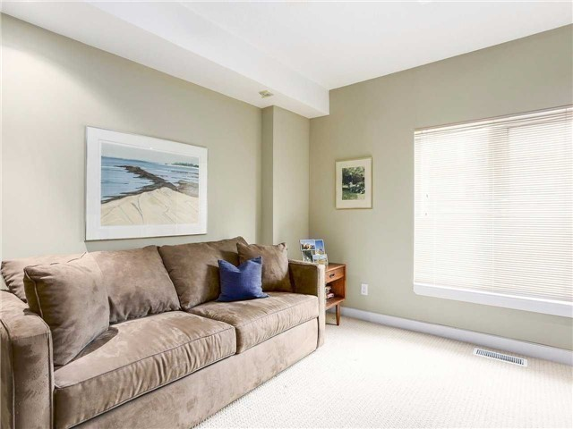 Condo Townhouse at 77 Lombard St, Unit Th102, Toronto, Ontario. Image 3