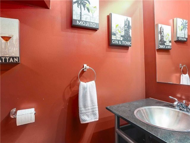 Condo Townhouse at 77 Lombard St, Unit Th102, Toronto, Ontario. Image 7
