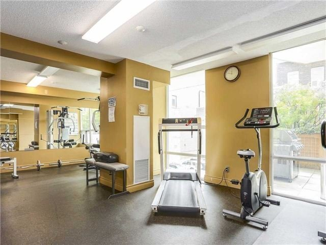 Condo Townhouse at 77 Lombard St, Unit Th102, Toronto, Ontario. Image 8
