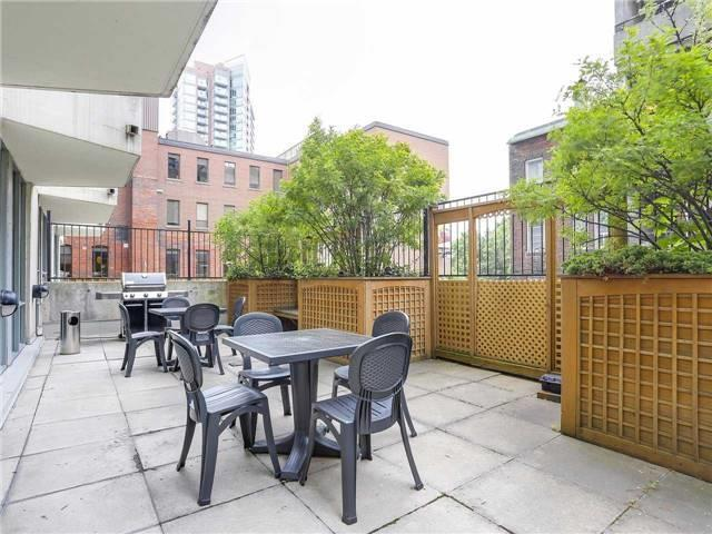 Condo Townhouse at 77 Lombard St, Unit Th102, Toronto, Ontario. Image 10