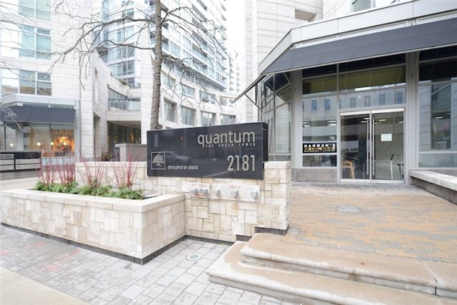 Condo Apartment at 2181 Yonge St, Unit 1011, Toronto, Ontario. Image 5