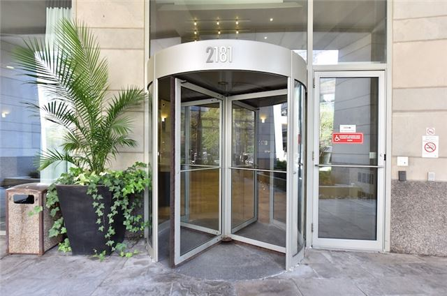 Condo Apartment at 2181 Yonge St, Unit 1011, Toronto, Ontario. Image 7