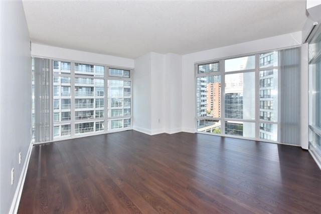 Condo Apartment at 2181 Yonge St, Unit 1011, Toronto, Ontario. Image 9