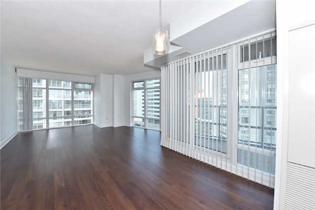 Condo Apartment at 2181 Yonge St, Unit 1011, Toronto, Ontario. Image 10