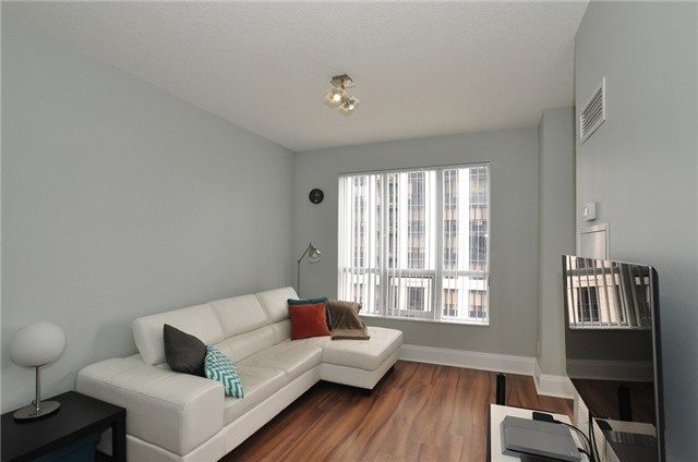 Condo Apartment at 100 Harrison Garden Blvd, Unit 808, Toronto, Ontario. Image 12