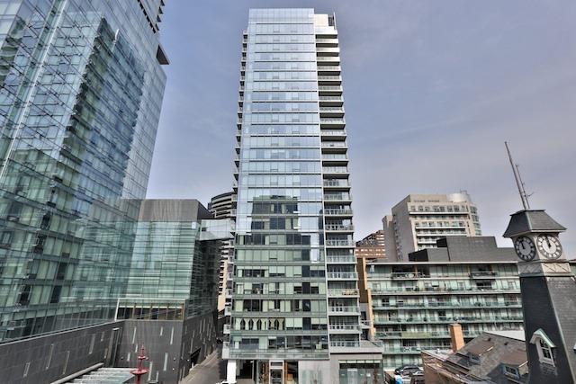 Condo Apartment at 55 Scollard St, Unit 602, Toronto, Ontario. Image 14