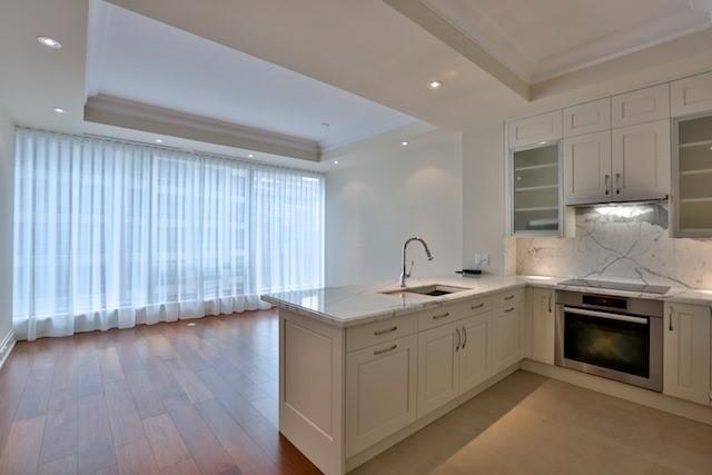 Condo Apartment at 55 Scollard St, Unit 602, Toronto, Ontario. Image 16