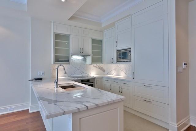 Condo Apartment at 55 Scollard St, Unit 602, Toronto, Ontario. Image 18