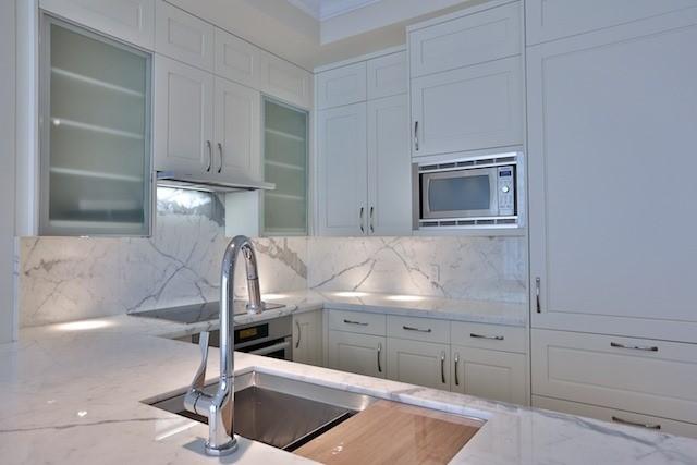Condo Apartment at 55 Scollard St, Unit 602, Toronto, Ontario. Image 19