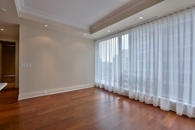 Condo Apartment at 55 Scollard St, Unit 602, Toronto, Ontario. Image 5