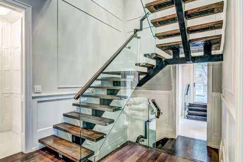 Detached at 103 Old Forest Hill Rd, Toronto, Ontario. Image 2